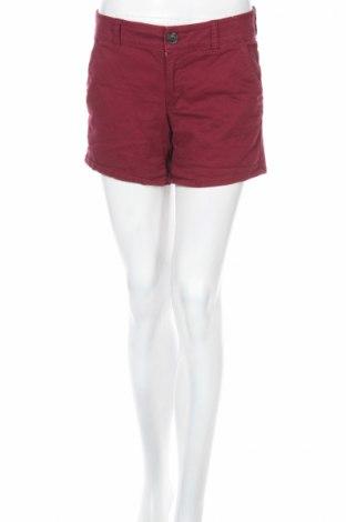Дамски къс панталон American Eagle, Размер M, Цвят Червен, 97% памук, 3% еластан, Цена 6,80лв.