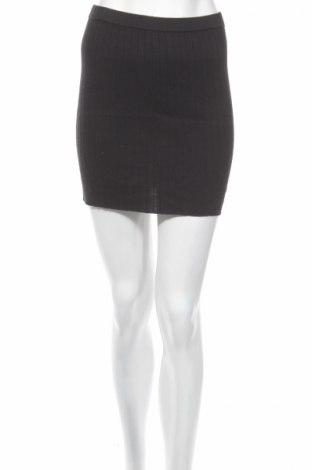 Пола, Размер S, Цвят Черен, 70% други тъкани, 30% памук, Цена 5,45лв.