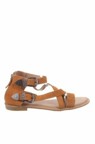 Sandale Steve Madden, Mărime 41, Culoare Maro, Velur natural, Preț 106,17 Lei