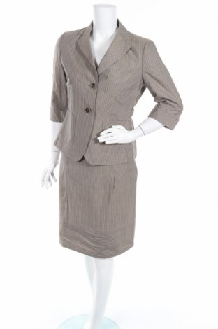 Дамски костюм Weekend Max Mara, Размер S, Цвят Сив, 57% лен, 43% памук, Цена 133,20лв.