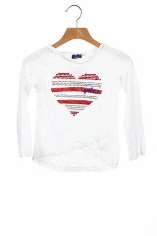Детска блуза, Размер 3-4y/ 104-110 см, Цвят Бял, 95% памук, 5% еластан, Цена 20,80лв.
