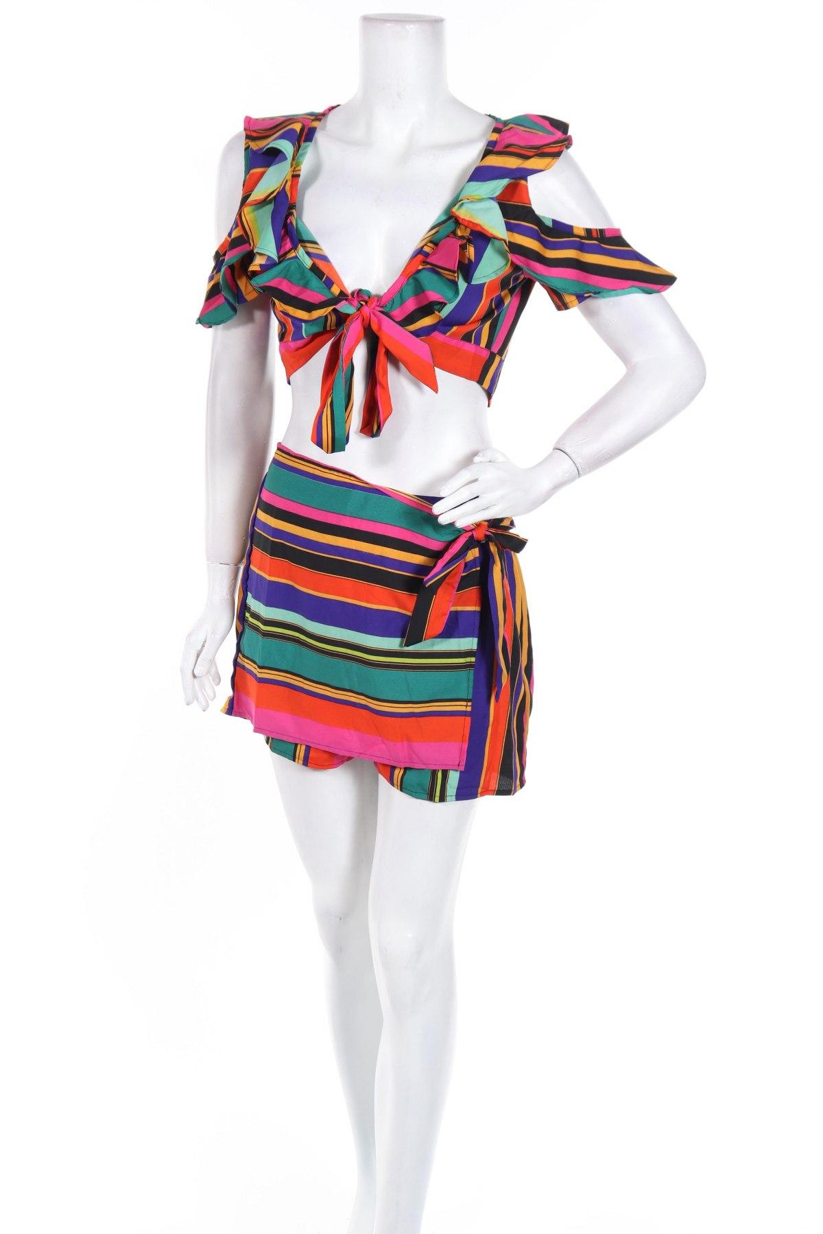 Дамски комплект Boohoo, Размер M, Цвят Многоцветен, Полиестер, Цена 23,32лв.