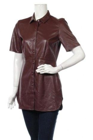 Дамска кожена риза Soaked In Luxury, Размер S, Цвят Кафяв, Еко кожа, Цена 8,82лв.