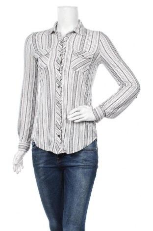 Дамска риза Ardene, Размер XS, Цвят Бял, 95% полиестер, 5% еластан, Цена 4,73лв.
