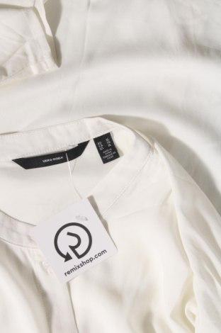 Дамска риза Vero Moda, Размер XL, Цвят Екрю, Вискоза, Цена 21,12лв.