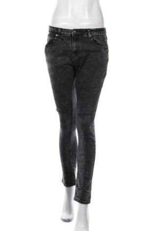 Дамски дънки, Размер L, Цвят Черен, 80% памук, 17% полиестер, 3% еластан, Цена 21,00лв.