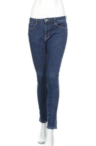 Дамски дънки, Размер M, Цвят Син, 56% памук, 32% полиестер, 12% вискоза, Цена 16,54лв.