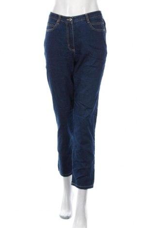 Дамски дънки, Размер L, Цвят Син, 81% памук, 17% полиестер, 2% еластан, Цена 13,86лв.