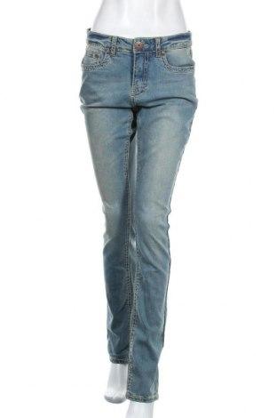 Дамски дънки Arizona, Размер M, Цвят Син, 98% памук, 2% еластан, Цена 55,50лв.