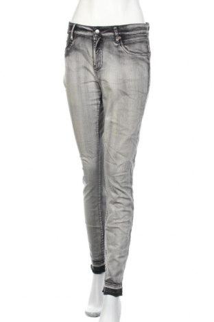Дамски дънки Cambio, Размер XL, Цвят Сив, 93% памук, 5% полиестер, 2% еластан, Цена 46,41лв.