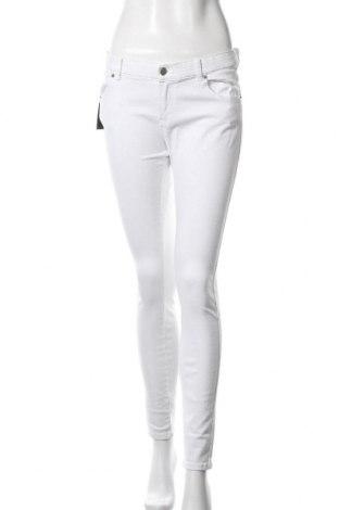 Дамски дънки Dr. Denim, Размер XL, Цвят Бял, 98% памук, 2% еластан, Цена 24,15лв.