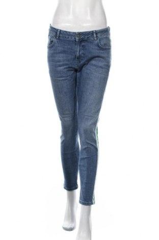 Дамски дънки Etam, Размер L, Цвят Син, 99% памук, 1% еластан, Цена 27,93лв.