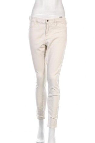 Дамски дънки H&M, Размер M, Цвят Бежов, 98% памук, 2% еластан, Цена 13,65лв.