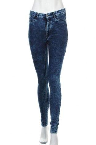 Дамски дънки H&M Divided, Размер S, Цвят Син, 79% памук, 19% полиестер, 2% еластан, Цена 23,25лв.