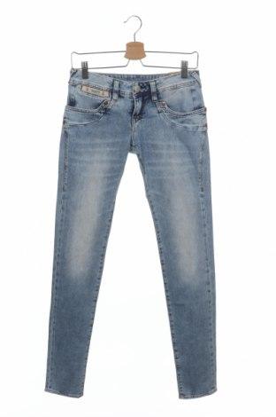 Дамски дънки Herrlicher, Размер S, Цвят Син, 92% памук, 6% полиестер, 2% еластан, Цена 44,52лв.