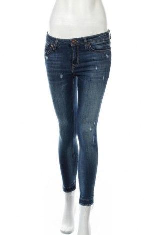 Дамски дънки Mango, Размер M, Цвят Син, 92% памук, 7% полиестер, 1% еластан, Цена 33,60лв.