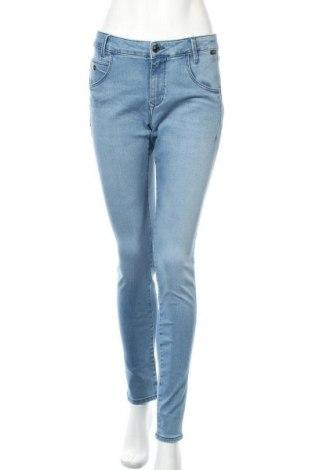 Дамски дънки Mavi, Размер L, Цвят Син, 84% памук, 9% полиестер, 5% вискоза, 2% еластан, Цена 27,60лв.
