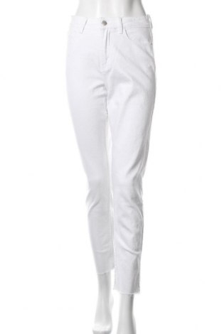 Дамски дънки ONLY, Размер S, Цвят Бял, 99% памук, 1% еластан, Цена 23,46лв.