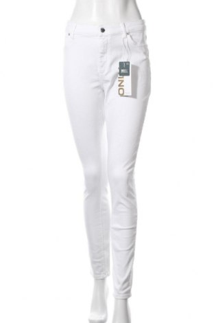 Дамски дънки ONLY, Размер XL, Цвят Бял, 92% памук, 6% други тъкани, 2% еластан, Цена 22,42лв.