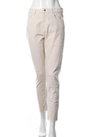 Дамски дънки ONLY, Размер M, Цвят Бежов, 99% памук, 1% еластан, Цена 26,91лв.