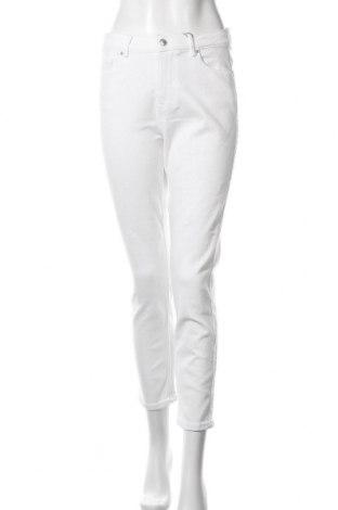 Дамски дънки Pieces, Размер L, Цвят Бял, 93% памук, 5% полиестер, 2% еластан, Цена 26,22лв.