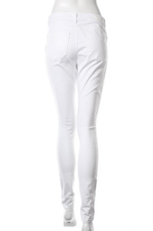 Дамски дънки Vero Moda, Размер L, Цвят Бял, 66% памук, 32% полиестер, 2% еластан, Цена 18,60лв.