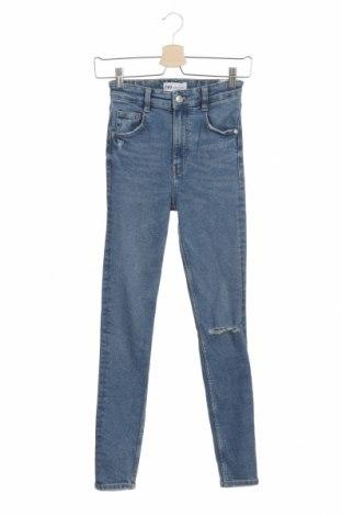 Дамски дънки Zara, Размер XS, Цвят Син, 95% памук, 4% други нишки, 1% еластан, Цена 39,90лв.