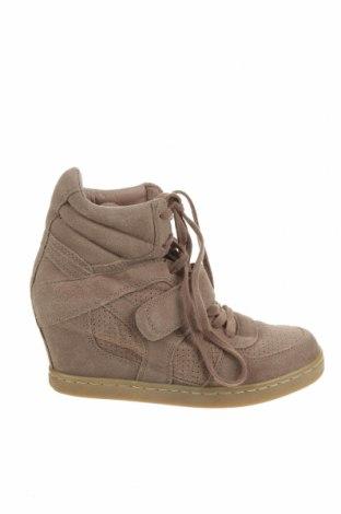 Дамски обувки Ash, Размер 40, Цвят Бежов, Естествен велур, Цена 42,00лв.