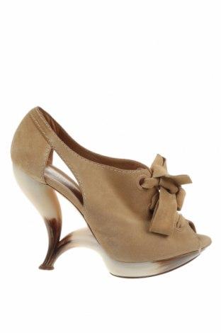 Дамски обувки Casadei, Размер 37, Цвят Бежов, Естествен велур, Цена 159,00лв.