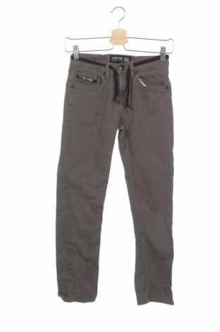 Детски панталон Zoo York, Размер 11-12y/ 152-158 см, Цвят Сив, 98% памук, 2% други тъкани, Цена 6,30лв.