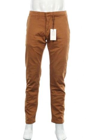 Мъжки панталон Pepe Jeans, Размер M, Цвят Кафяв, 72% памук, 14% модал, 12% полиестер, 2% еластан, Цена 76,05лв.