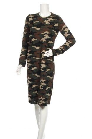 Šaty  Zara, Velikost L, Barva Vícebarevné, 83% viskóza, 16% polyester, 1% elastan, Cena  363,00Kč