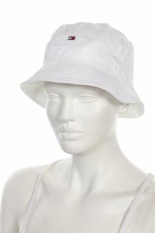 Шапка Tommy Hilfiger, Цвят Бял, Памук, Цена 44,25лв.
