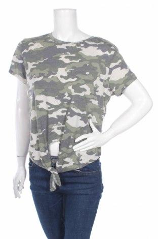 Дамска тениска Primark, Размер XL, Цвят Многоцветен, 67% полиестер, 33% вискоза, Цена 8,40лв.