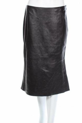 Kožená sukňa  Mango
