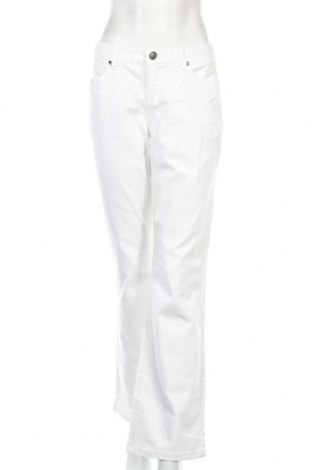 Дамски дънки Ajc, Размер L, Цвят Бял, 98% памук, 2% еластан, Цена 4,80лв.