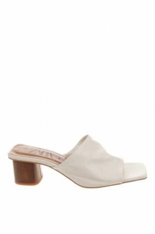 Чехли Zara, Размер 38, Цвят Бял, Естествена кожа, Цена 59,25лв.