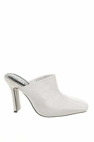 Γυναικείες παντόφλες Zara, Μέγεθος 37, Χρώμα Λευκό, Δερματίνη, Τιμή 19,18€