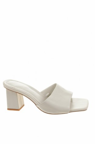 Чехли Zara, Размер 37, Цвят Бял, Естествена кожа, Цена 51,00лв.