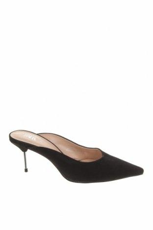 Чехли Zara, Размер 36, Цвят Черен, Естествен велур, Цена 22,25лв.