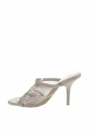 Чехли Zara, Размер 36, Цвят Сив, Текстил, еко кожа, Цена 44,25лв.