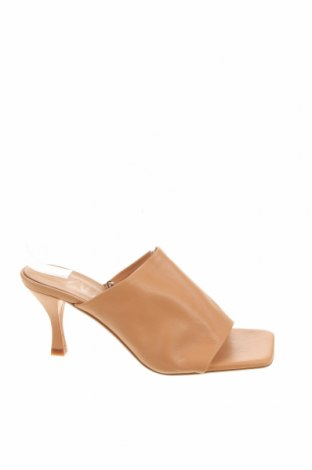 Чехли Zara, Размер 37, Цвят Бежов, Естествена кожа, Цена 40,05лв.