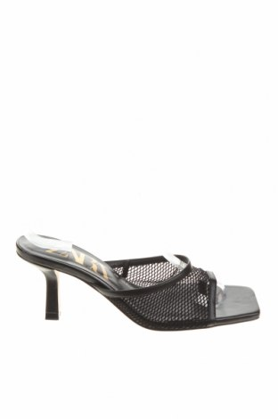 Чехли Zara, Размер 37, Цвят Черен, Текстил, еко кожа, Цена 36,75лв.