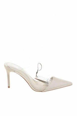 Чехли Zara, Размер 36, Цвят Бял, Еко кожа, Цена 39,00лв.