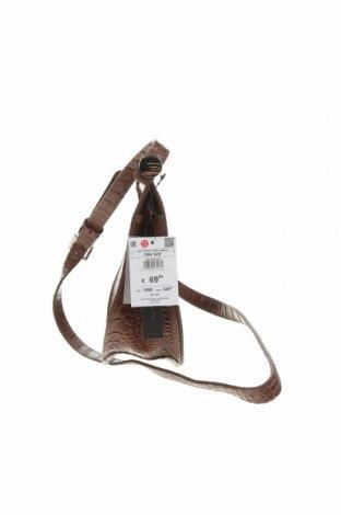 Geantă de femei Reserved, Culoare Maro, Piele naturală, Preț 293,59 Lei