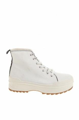 Дамски обувки Bershka, Размер 41, Цвят Бял, Текстил, Цена 30,68лв.