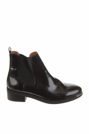Dámské boty  Pull&Bear, Velikost 36, Barva Černá, Eko kůže, Cena  450,00Kč