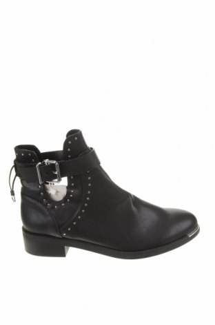 Dámské boty  Pull&Bear, Velikost 41, Barva Černá, Eko kůže, Cena  450,00Kč