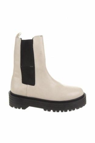 Dámské boty  Pull&Bear, Velikost 39, Barva Béžová, Eko kůže, Cena  674,00Kč
