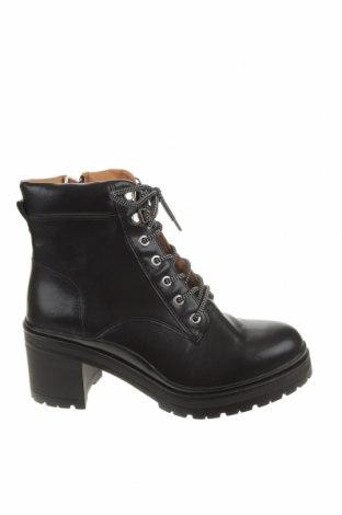 Dámské boty  Pull&Bear, Velikost 40, Barva Černá, Eko kůže, Cena  750,00Kč
